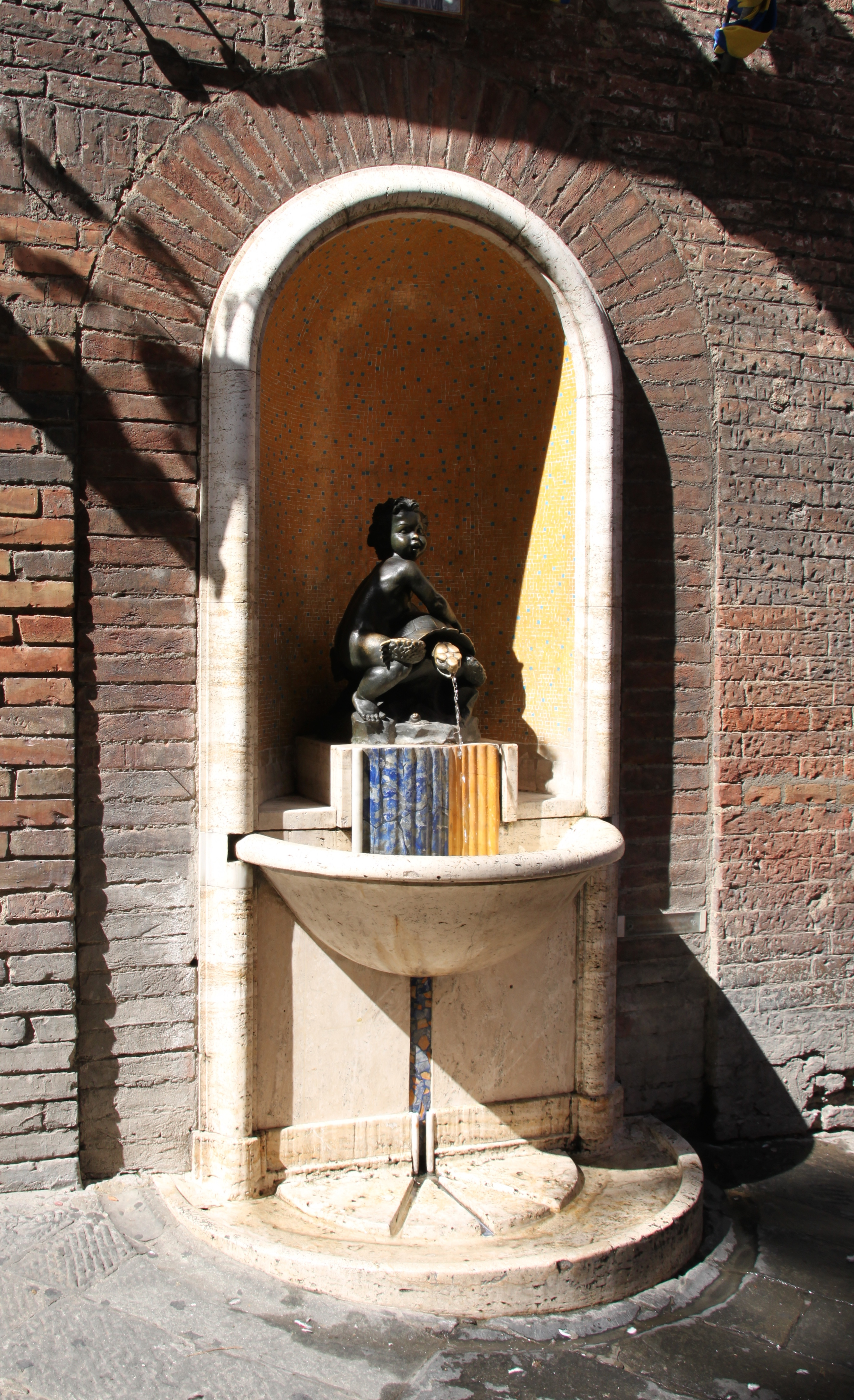 Baptisimal fountain of the tortoise contrada