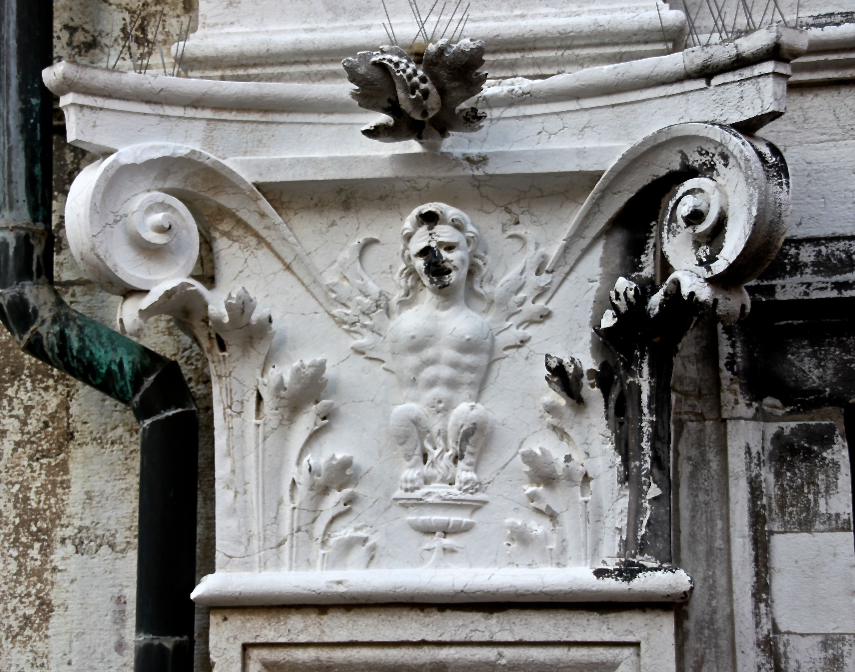 I'll set my fanny on fire! More intimate carving on the Old Prison at the Rialto in Venice