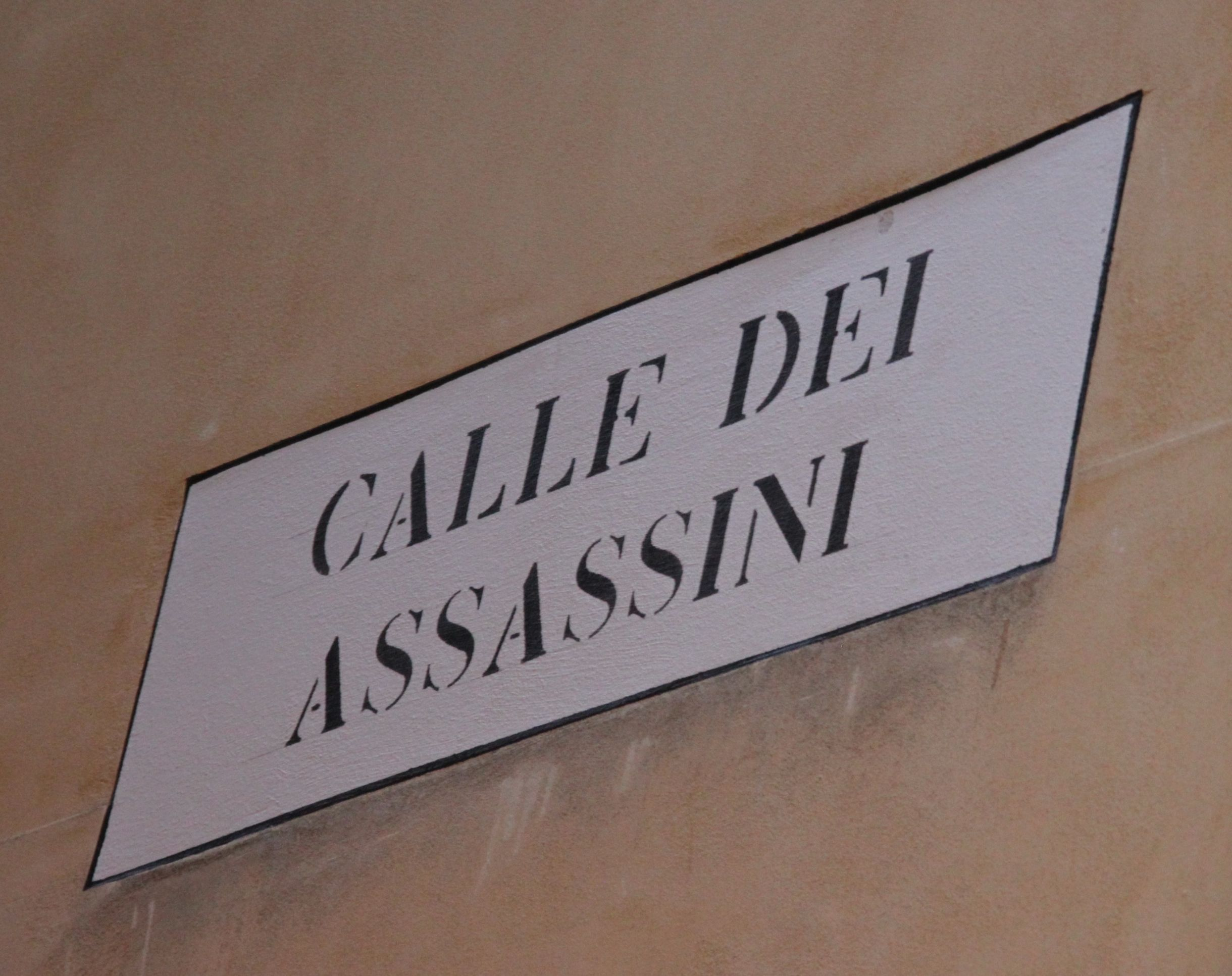 Take care down Assassins Alley in Venice!