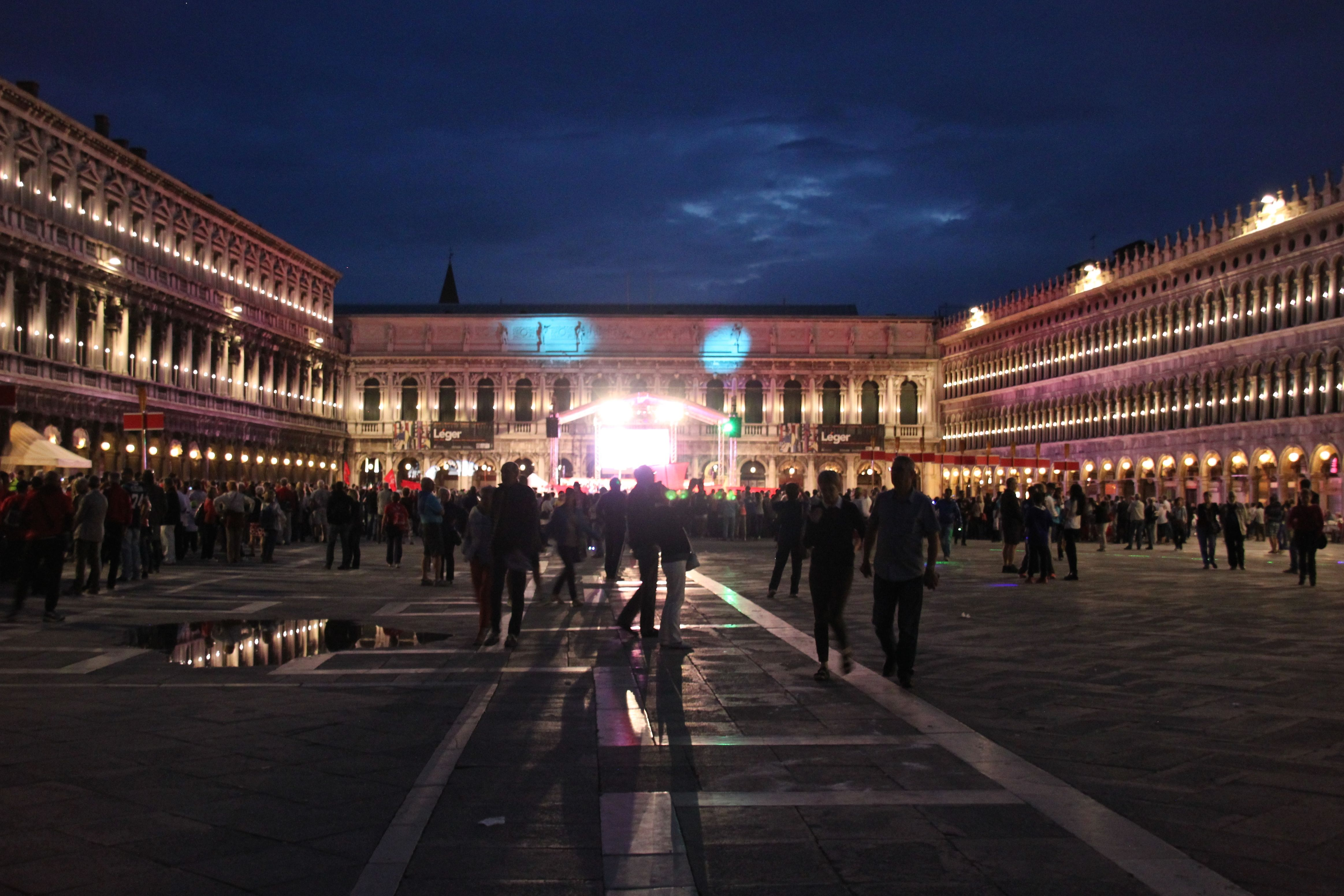 Celebrating the opening ceremony to the National Paralympic Games 2014 in Piazza San Marco