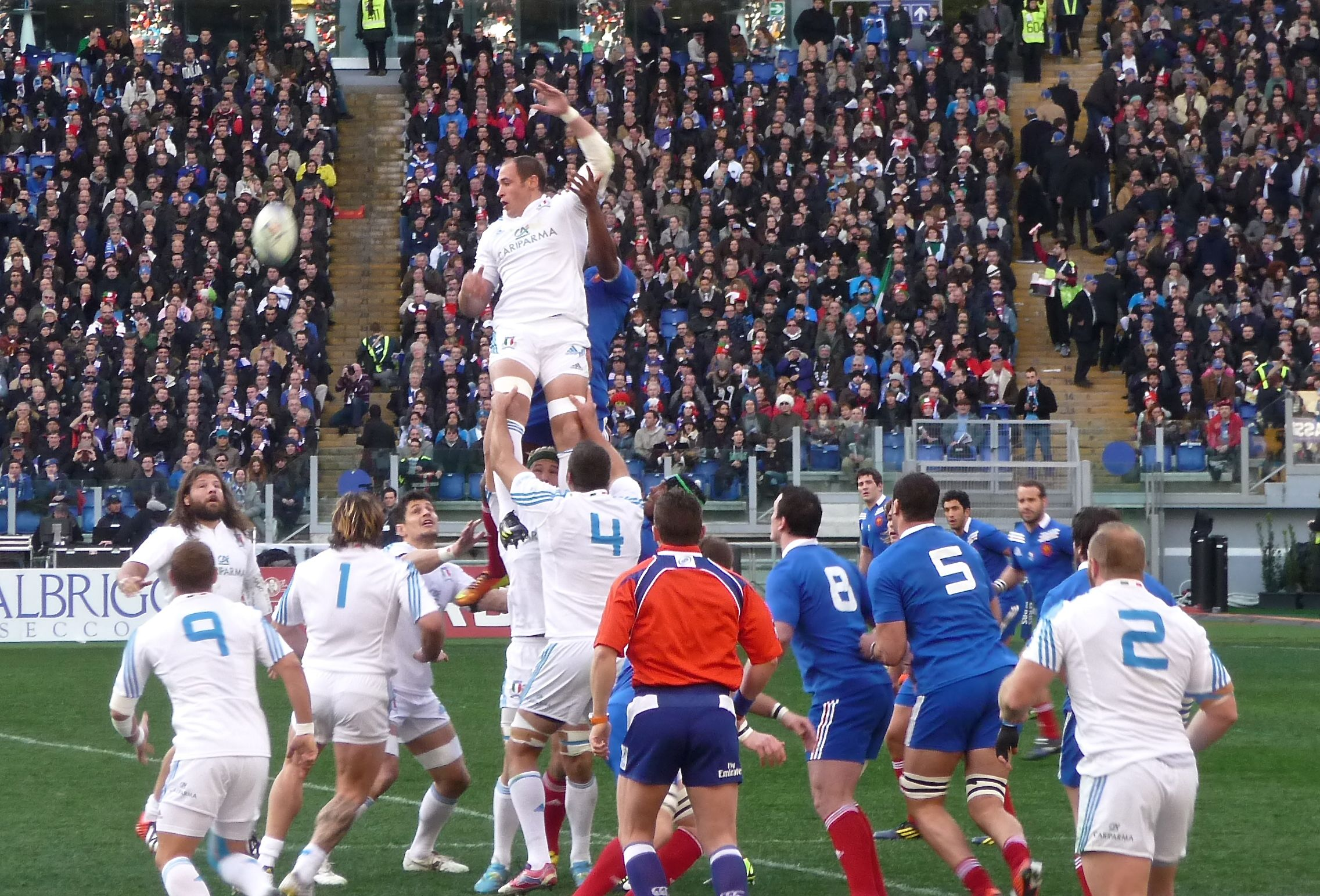 Captain Sergio Parese triumphs over the French pack at a line-out, February 2013