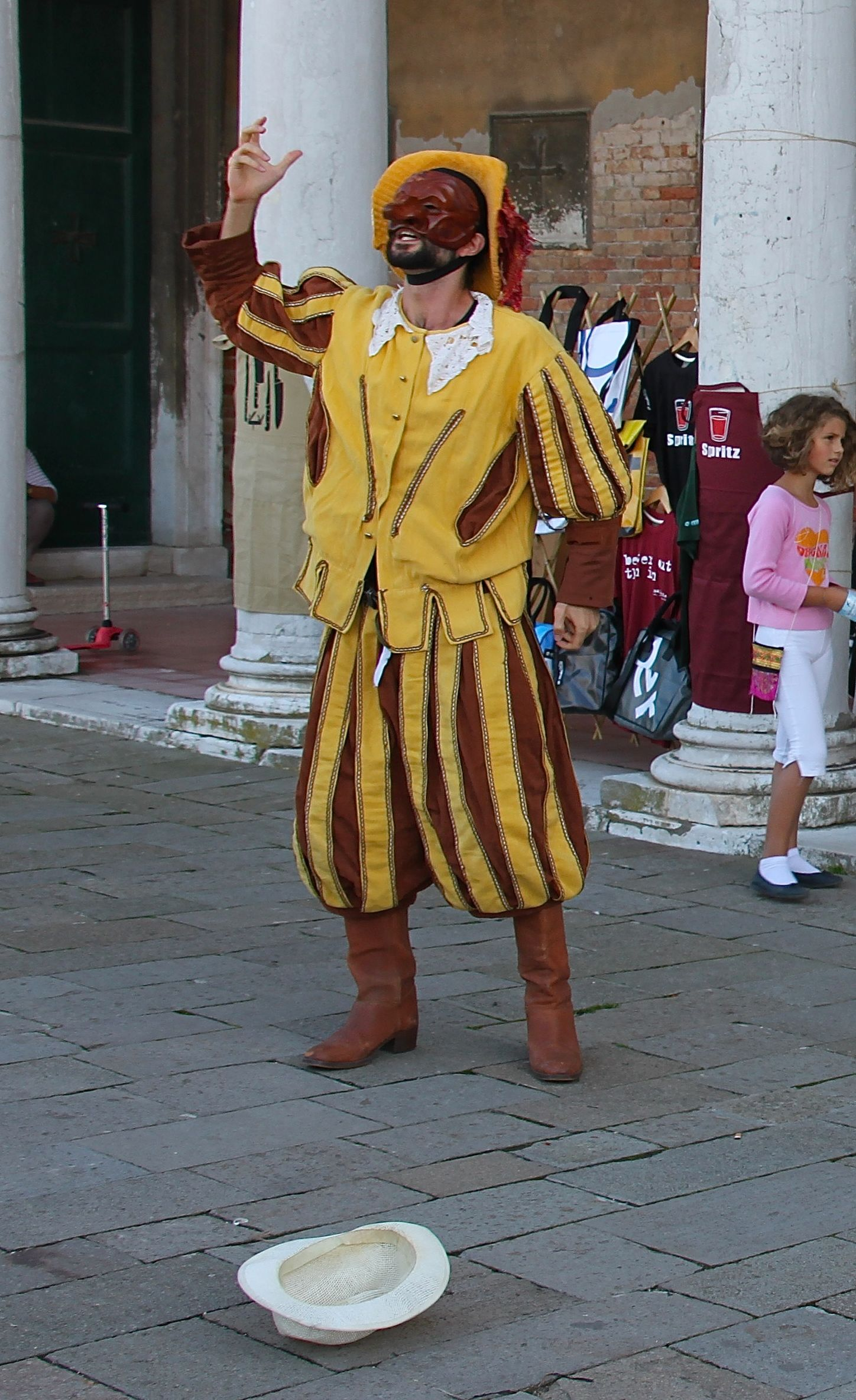 Street actor during Giudecca's arts festival