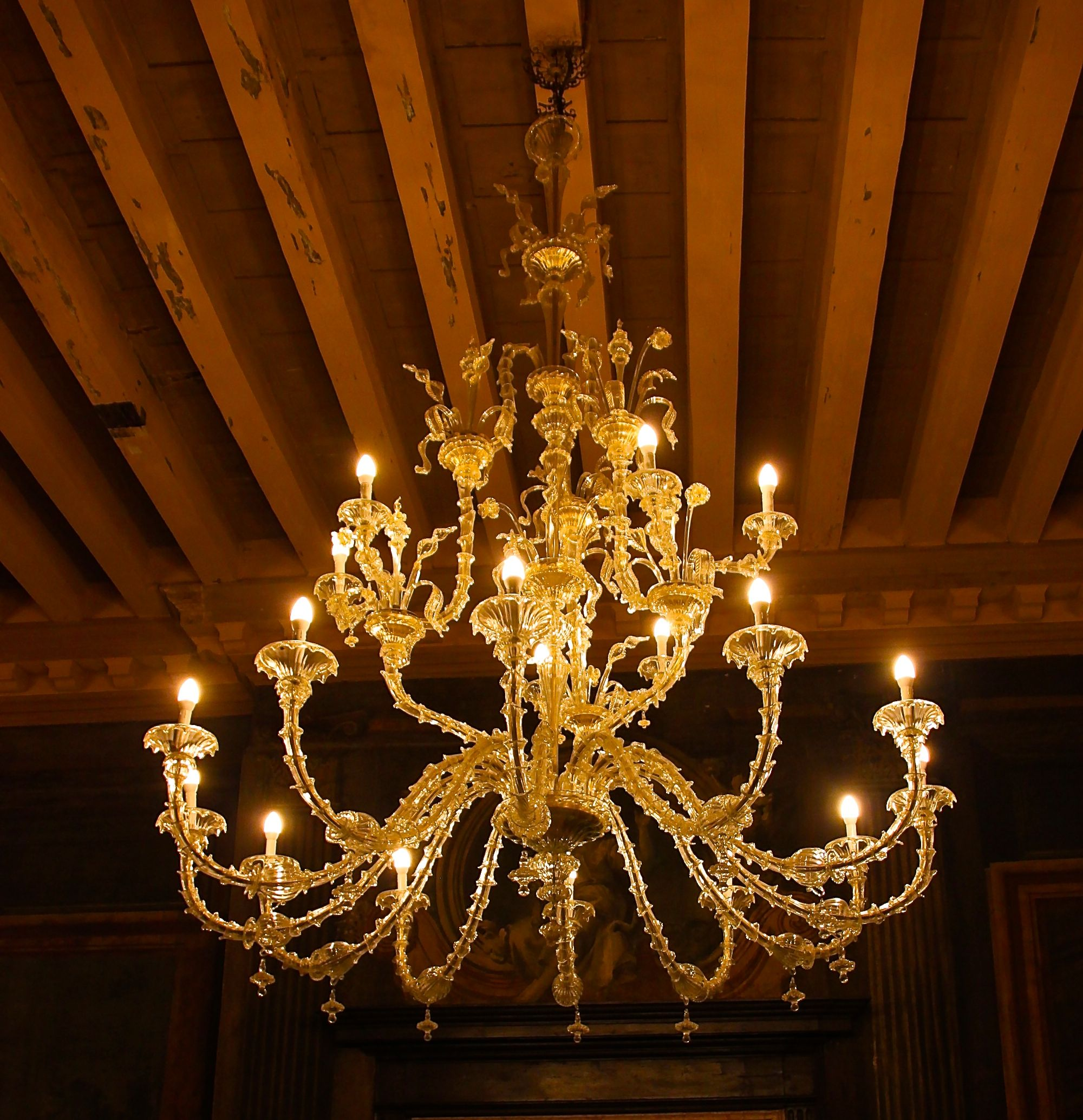 A glorious Murano glass chandelier at Ca' Sagredo Hotel