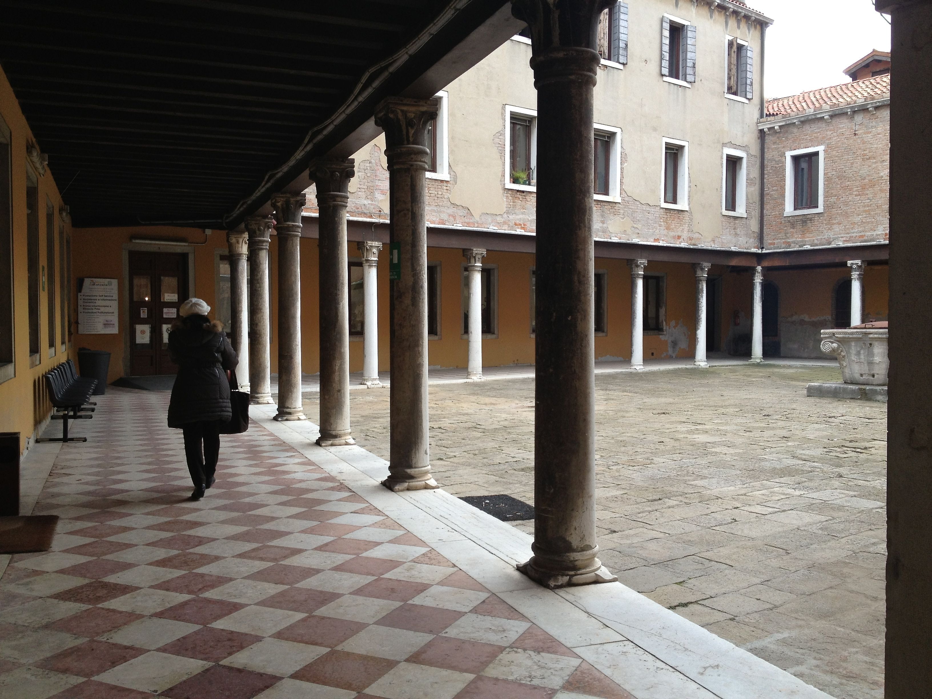 Finding the offices of the Agenzia delle Entrate