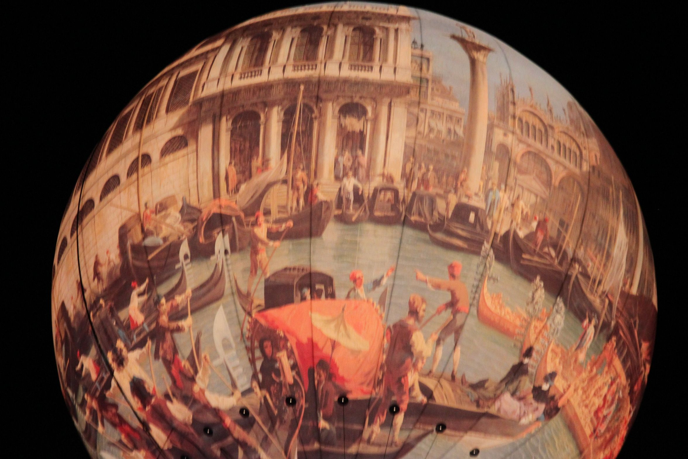 A hot air balloon depicts Venice
