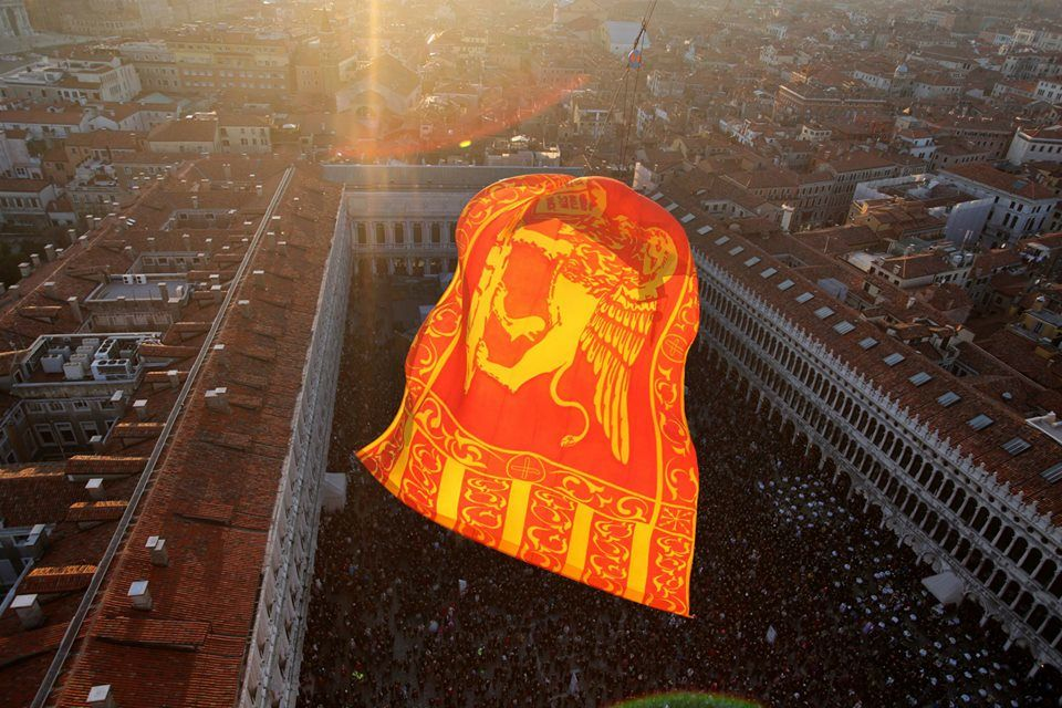 Flight of the Lion over Piazza San Marco