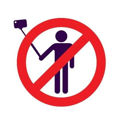 Selfie sticks are banned in Italian museums and galleries