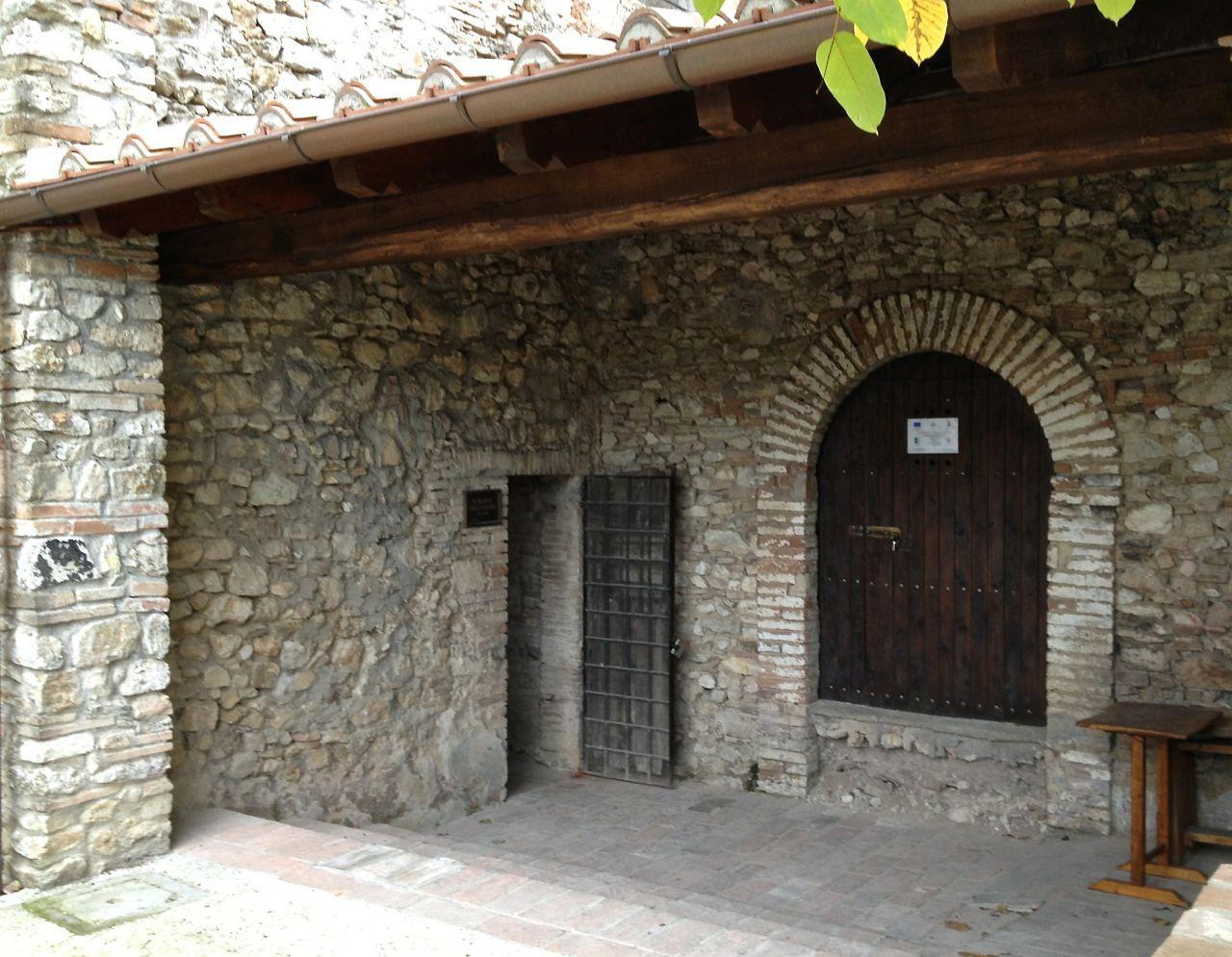 The little door to the left reveals the secret underground world of Narni