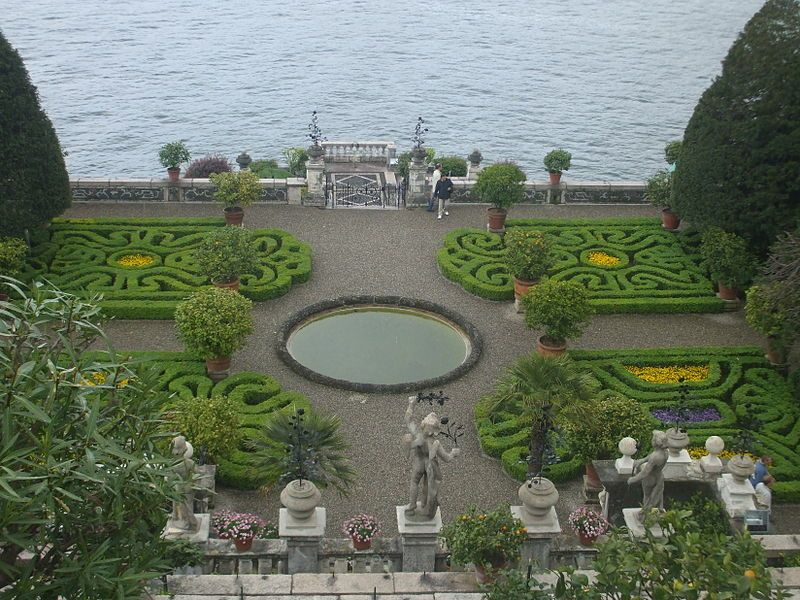 Lake Maggiore's Isola Bella formal gardens are a fabulous site to propose