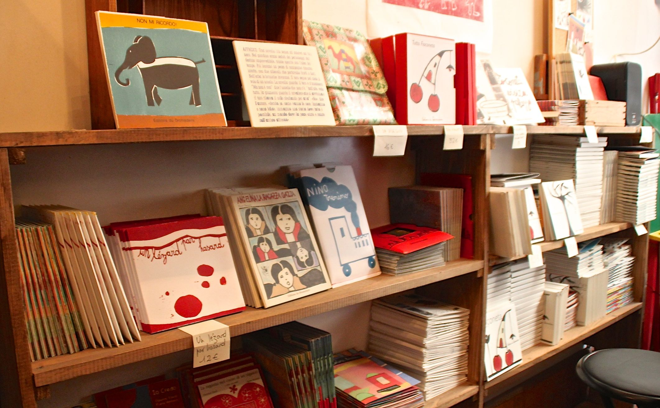 D_D_Italia - Things to do in Venice with children - Dromadaire bookshop